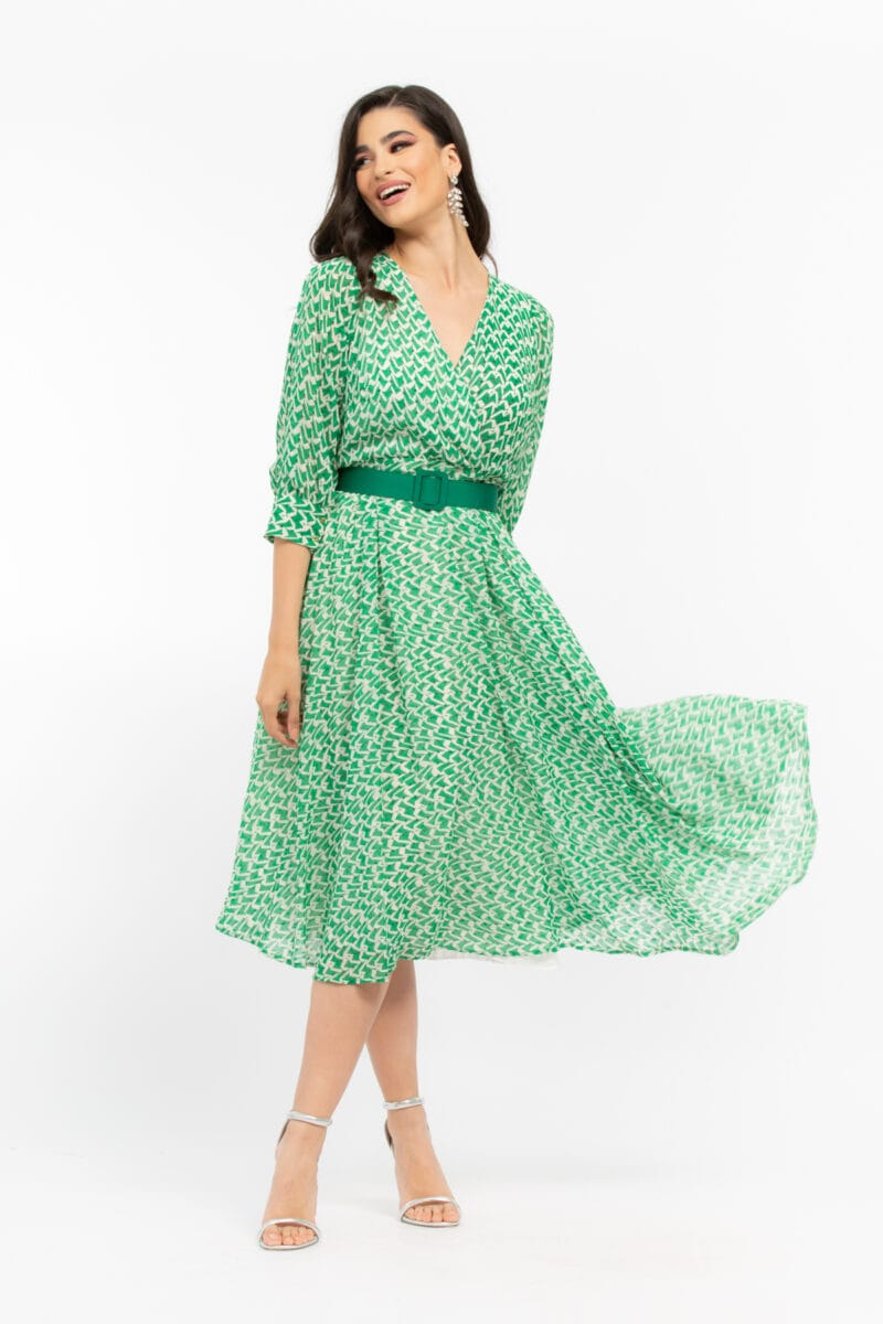 Φόρεμα κρουαζέ με γεωμετρικά μοτίβα.